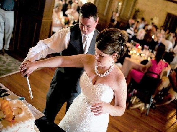 Tmx 1524244461 B28283f509d022f7 1524244460 60b80519d57a8bfe 1524244461363 2 Cakecutting Racine wedding venue