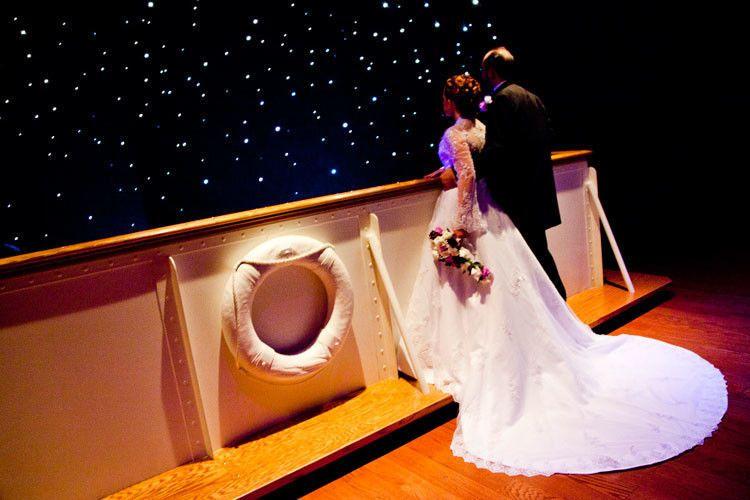 655c1d8b61275b60 1510246064026 titanic wedding gallery41