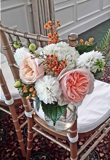 Wedding chair bouquet