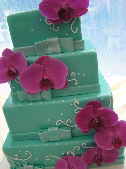 CraveWeddingTiffanyBlueSquareTiers