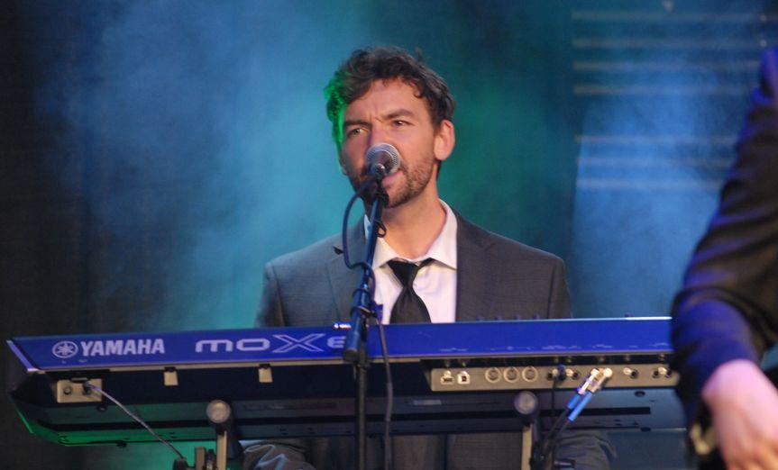 Jon = Keyboards & vocals