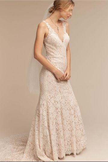 BHLDN Carson Gown		Floral lace stuns in this ultra-flattering mermaid fit. A blossom-trimmed v-neck...
