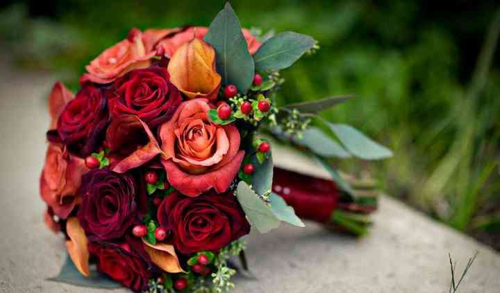 Bouts & Bouquets Flower Shop