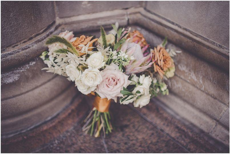 Color coordinating bouquet wrap