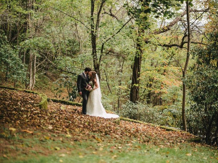 Tmx 1514428387357 Renee And Zach 49preview Waynesville, North Carolina wedding venue