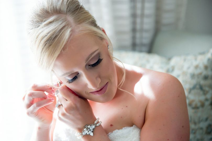 Flawless wedding make-up