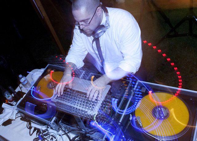 DJ Seth Issacs http://www.murrayhilltalent.com
