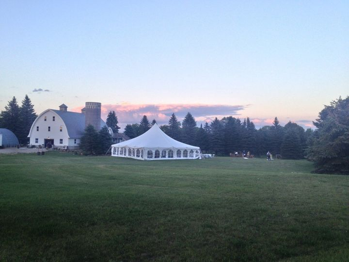 tented wedding at five lakes