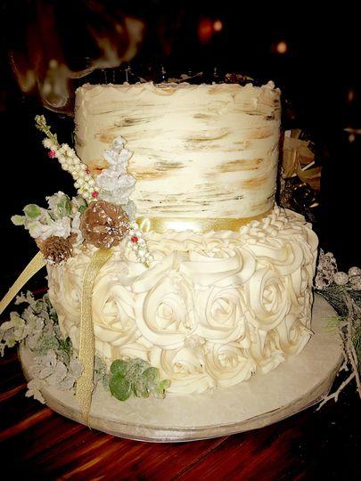 Wintery Gold Wedding Cake