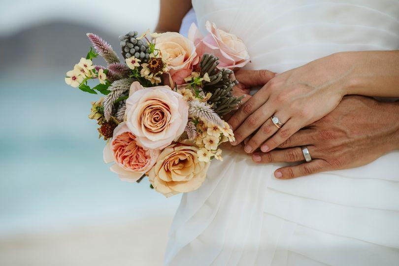 lblc weddings bouquet 19 51 792195 157549410759272