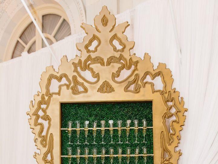 Tmx Champagne Wall Boxwood 4 51 133195 Narragansett, RI wedding eventproduction