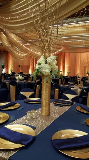 grand designs draping linens floral and up lighting 51 193195 160064288666096