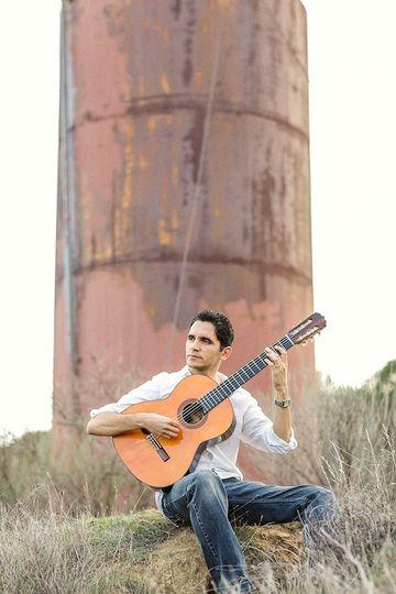 Tavi Jinariu, Classical Guitarist Press Photo