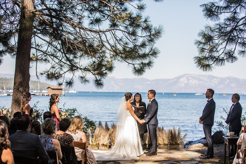 When Lake Tahoe shines for your wedding! | Photo by Shines Photography.