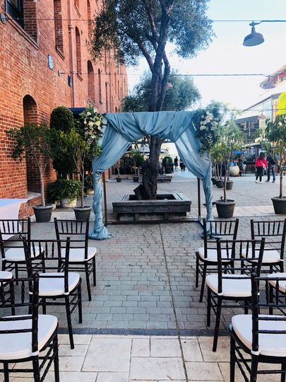 Courtyard ceremony setup