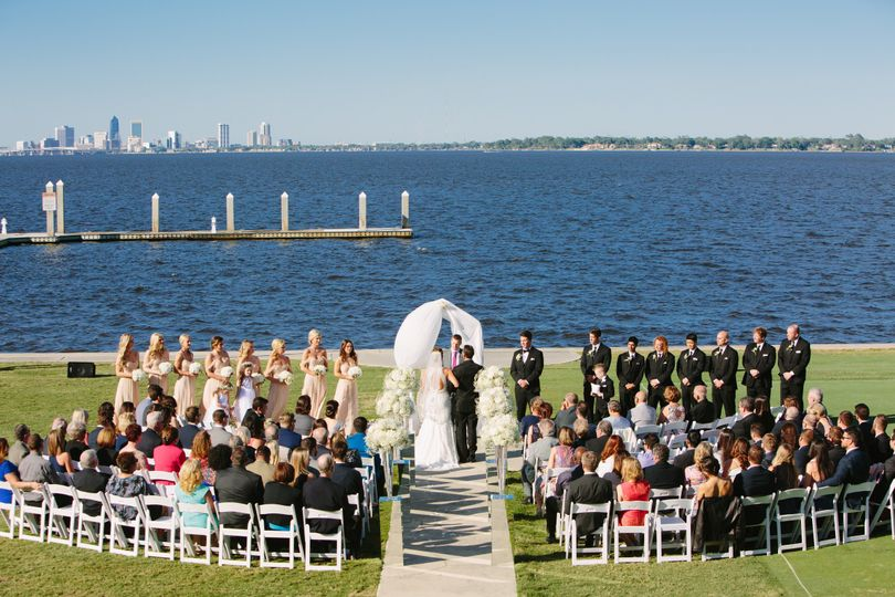 Back lawn and waterfront wedding | Photo Credit: Jamie Borland