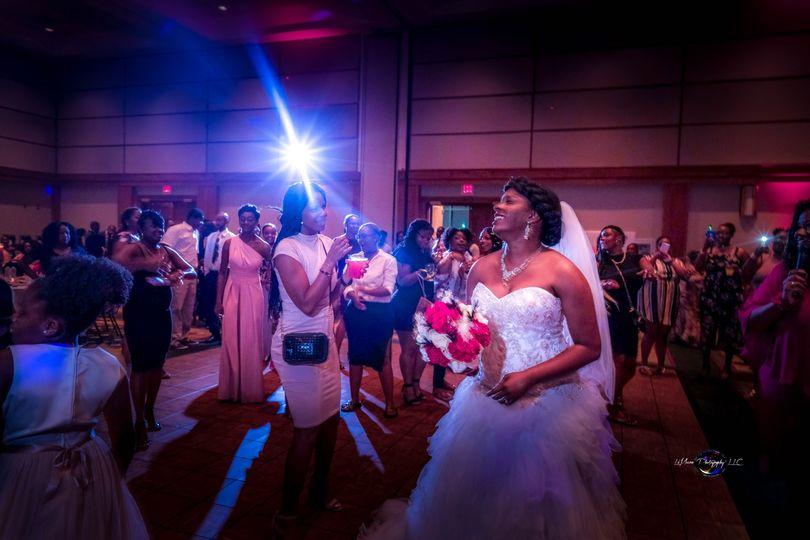 Bride throws flowers