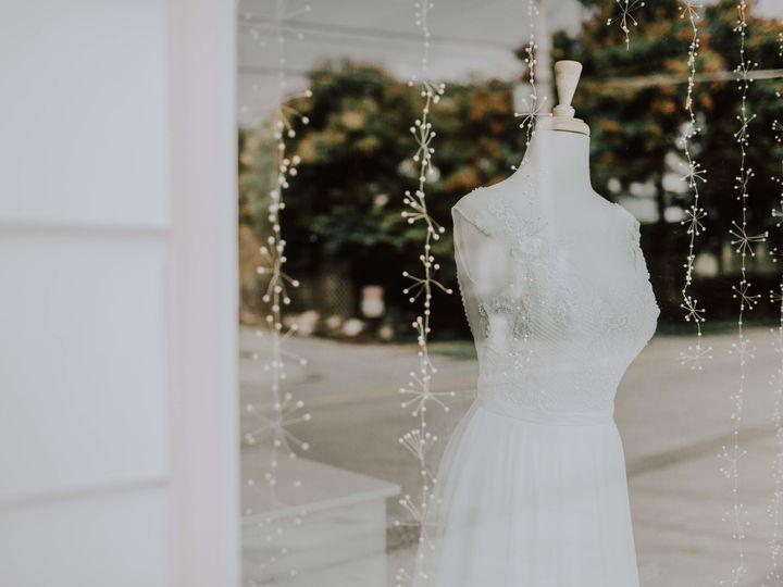 Tmx 1532108524 B9f7d385c7b4e500 1532108520 D2a03ef21ea1b783 1532108517548 27 KCM 4468 Copy Kansas City wedding dress
