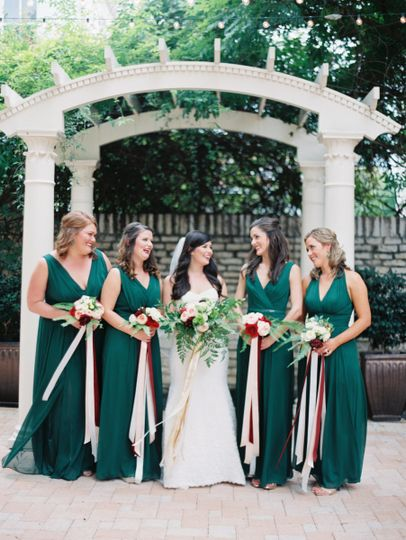 Bride and the bridesmaids | Jenna McElroy photography