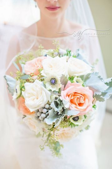 sarazarrellaphotography feature weddingwire0001