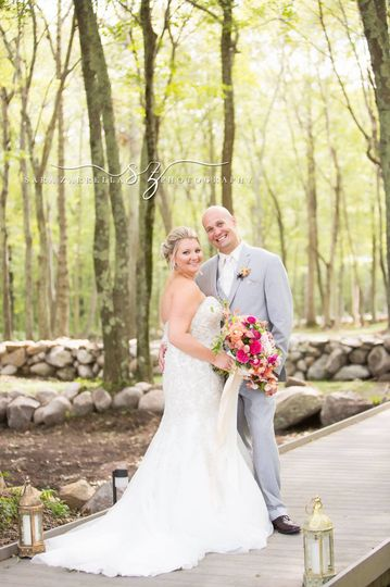sarazarrellaphotography feature weddingwire0012