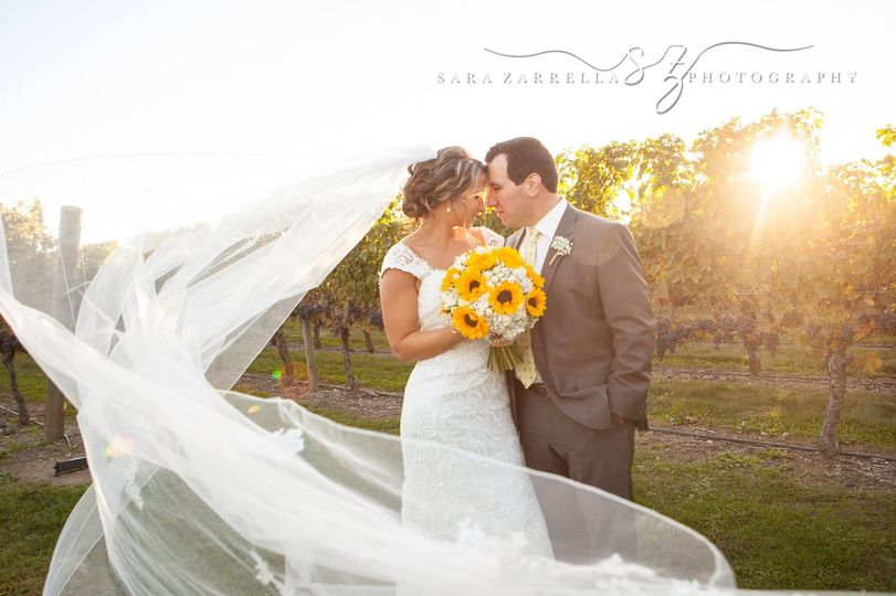 sarazarrellaphotography feature weddingwire0023