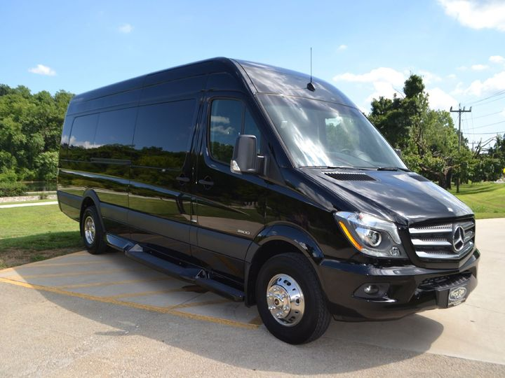 Tmx 17 51 650295 North Royalton, Ohio wedding transportation