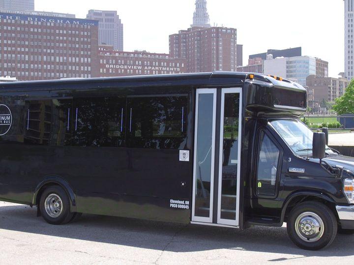 Tmx Plat3 51 650295 North Royalton, Ohio wedding transportation