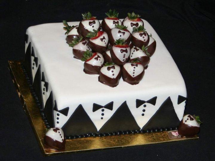 Tmx 1362760383973 Groomscake4 Kingston wedding cake