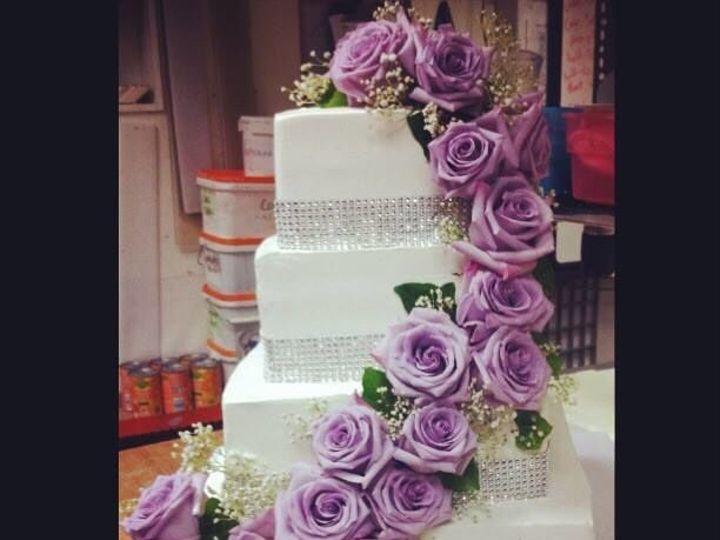 Tmx 1516122022 12aefbfb950e6c41 1516122020 7d8f94708b3e181a 1516122022364 3 Squarewedding1 Kingston wedding cake