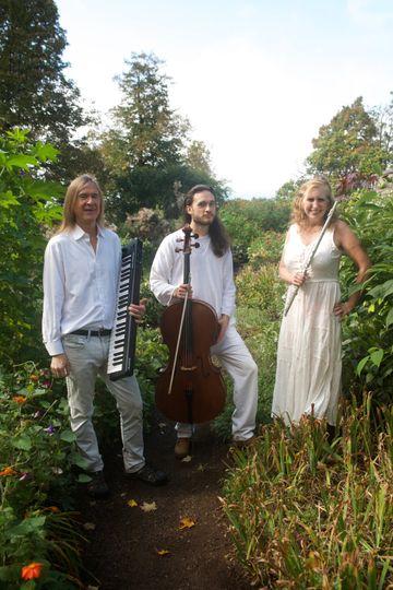 Beguine Photoshoot - Trio