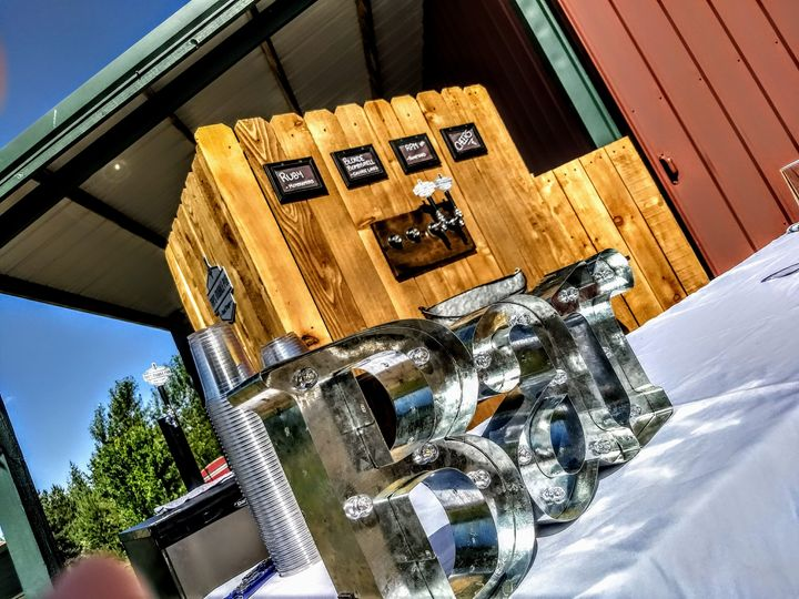Tmx Tiny Bar Outside 51 687295 Bend, Oregon wedding catering