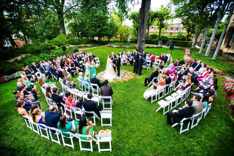 800x800 1489767278536 meridian house wedding ceremony in the round garde