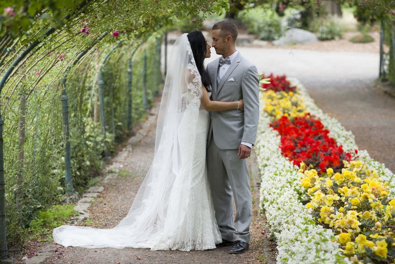 Tacoma Rose Garden Ceremony — Danielle Gregory Photography