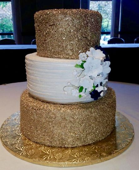 Gold confetti wedding cake simple and beautiful
