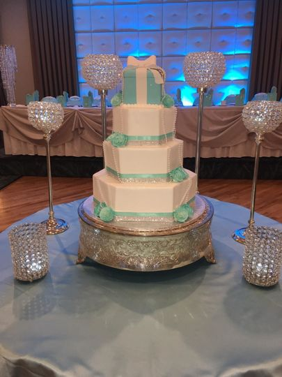 Tiffany inspired hexagon wedding cake