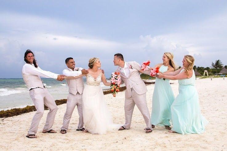 wedding party beach fun sm