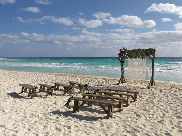 834a6f5eb314c2af Mexico Destination Wedding UNICO RivieraMaya Beach Setup