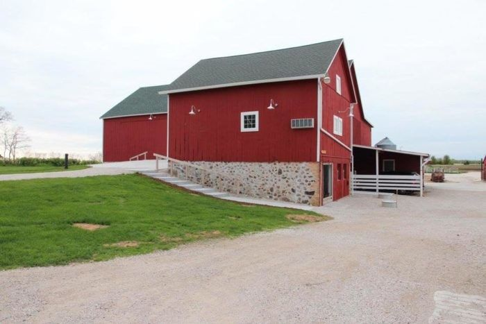 Exterior view of the  Lake Orchard Farm Retreat barn