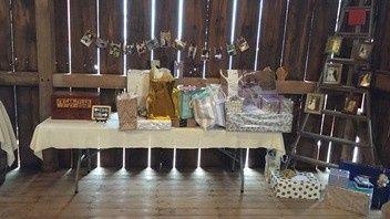 Tmx 1503493233265 Barngift Table.jpg.352x198default Sheboygan wedding venue