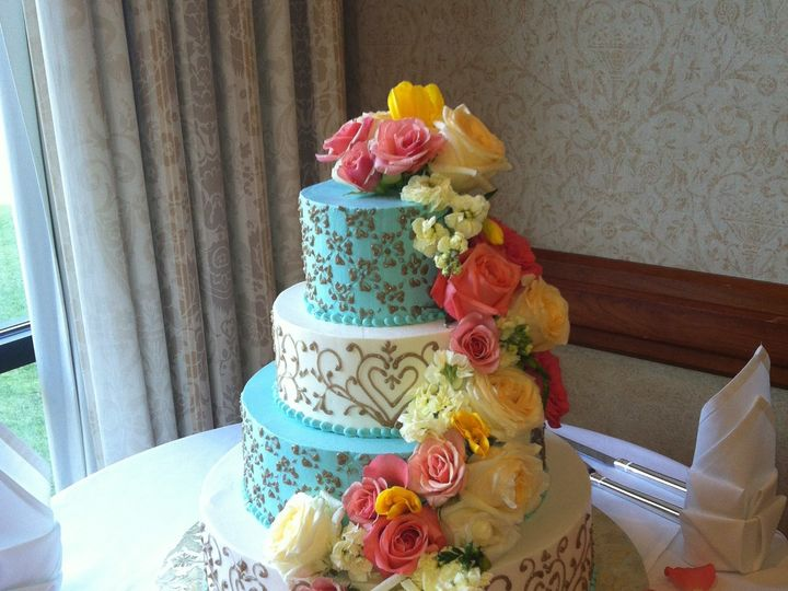 Tmx 1455377046641 Cake Cascade Coral Roses Yellow Roses Baltimore, MD wedding florist