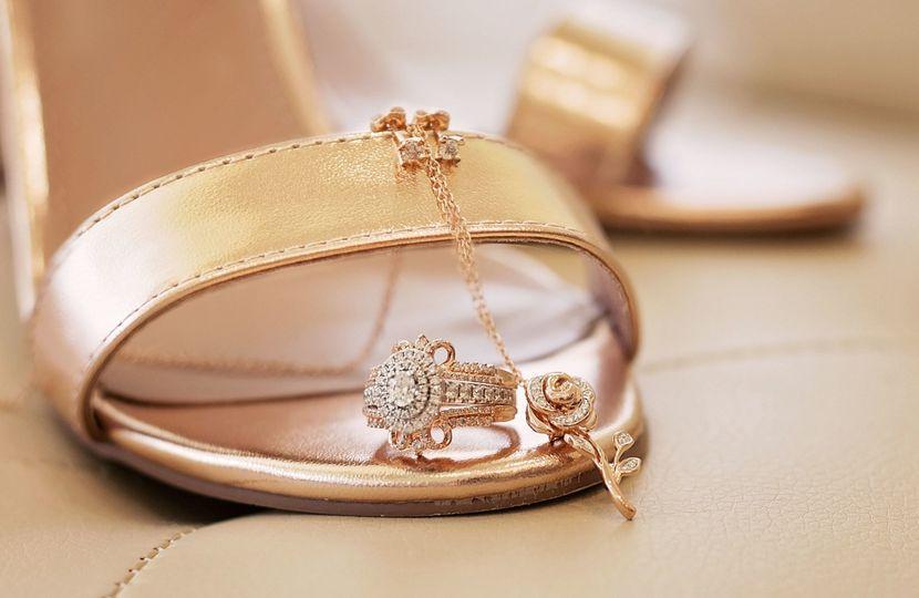 Rose-gold wedding detail