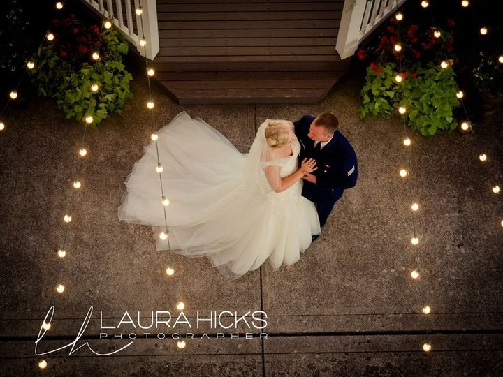 800x800 1484061209091 outdoor lights first dance laura hicks to post