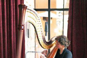 Stephanie Claussen, harpist