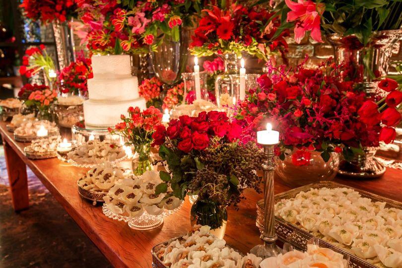 Party Bonbons Wedding Cake Framingham Ma Weddingwire