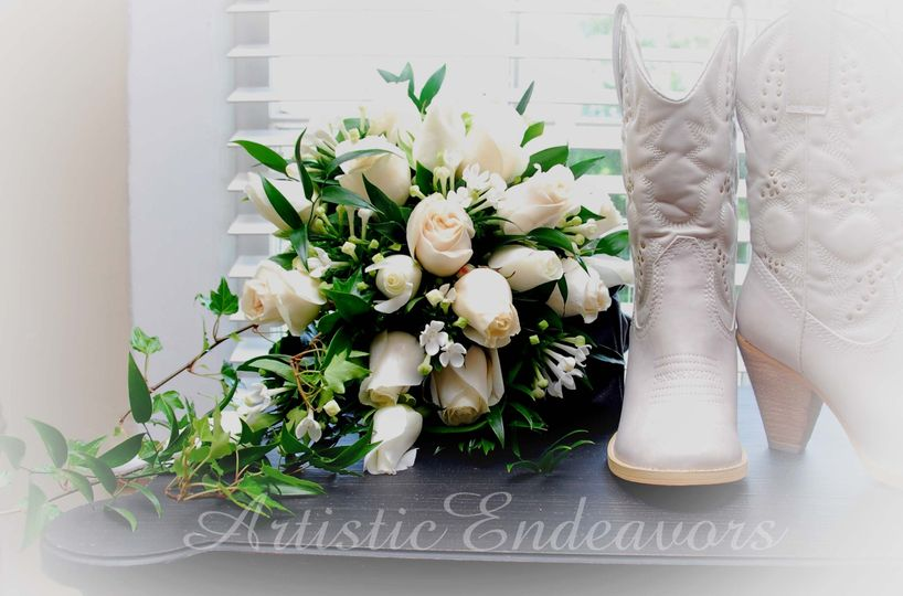 800x800 1468252383962 white bridal bouquet with white wedding boots unti