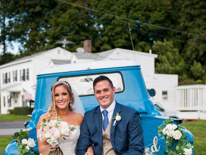 Tmx 74605597 10157657732297888 583553242252705792 O 51 1892595 157426533983870 Goffstown, NH wedding planner