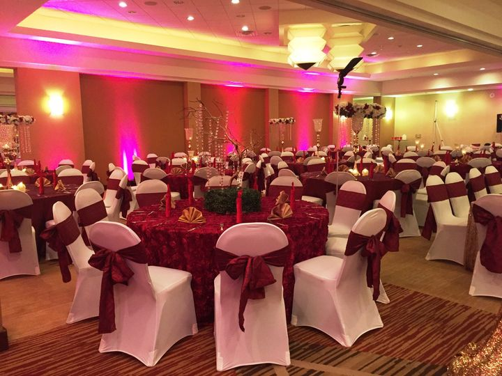 91 maroon and gold wedding theme   15 amazing and