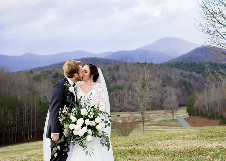 shannon and seth r ranch in the mountains wedding bride and groom 0028 51 155595 160268901444966
