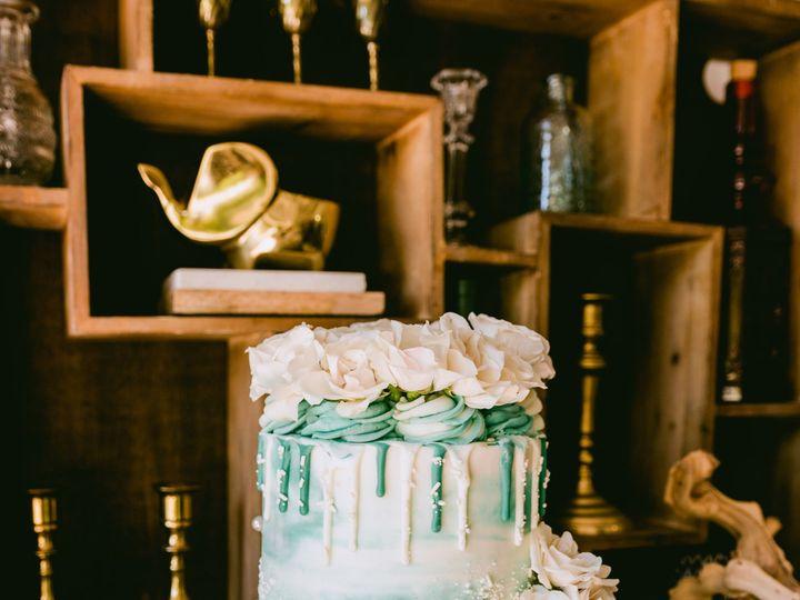 Tmx Sm Cake Everything Flowers Jackson 6 51 1928595 158221829777363 San Antonio, TX wedding cake